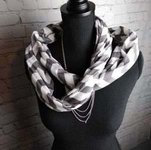 Chevron Gray and White Infinity Circle Scarf 🧣